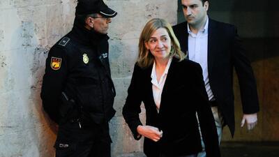 La hermana del rey de España al banquillo de los acusados