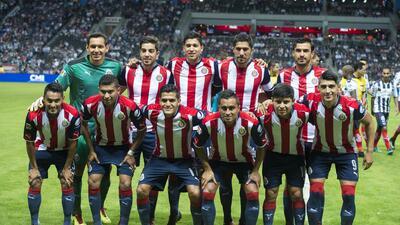 Chivas presume su cantera, pero juega con puro comprado