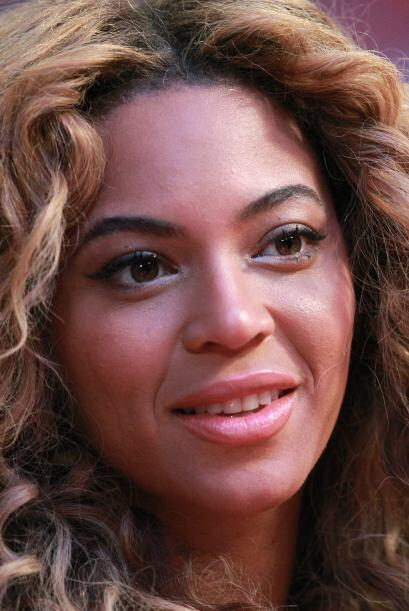 Beyoncé es fanática del basquetbol y no se podía perder este súper event...