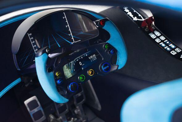 Este vehículo de competición es una evolución de diseño sobre el exitoso...