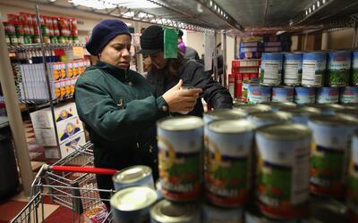 Los cupones permitieron una reducción de la pobreza de un 17.6% e...