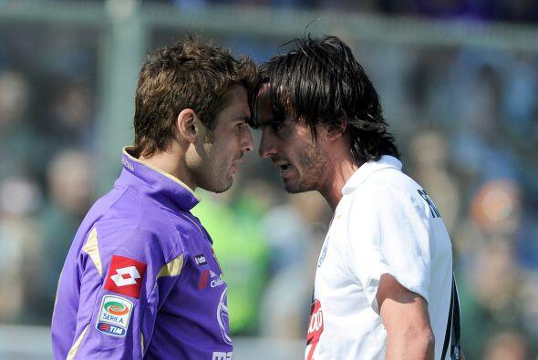 No estamos seguros de qué hablaban Adrián Mutu de la Fiorentina y Albert...