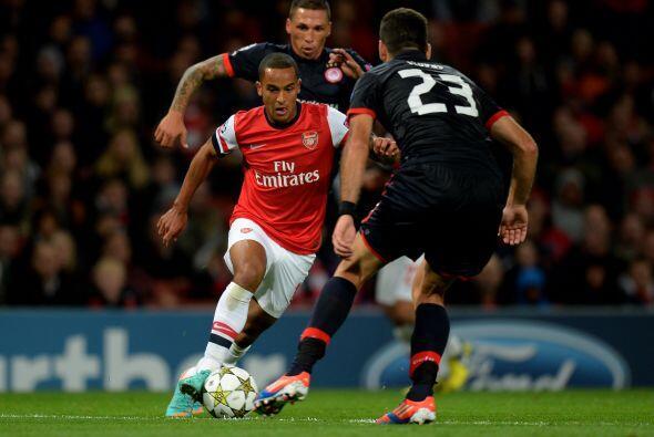 Arsenal recibió en el Emirates al Olympiakos griego.