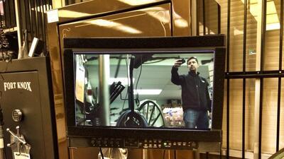 Fotografía de Carlos Muñoz de su perfil de Facebook durante un rodaje.