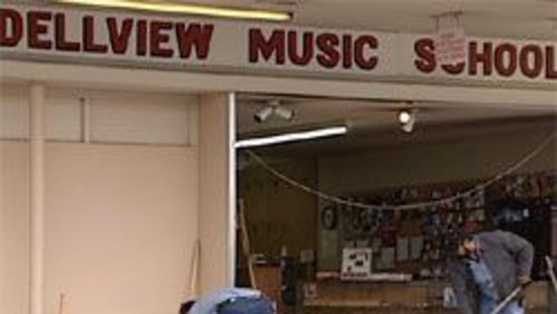 Robaron en academia de música en San Antonio ebfa9cecd49547ea921a625ca17...