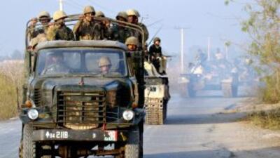 El ataque se realizó con cohetes y disparos de armas automáticas hechos...