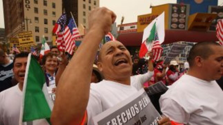 Más de 11 millones de inmigrantes indocumentados en Estados Unidos aguar...