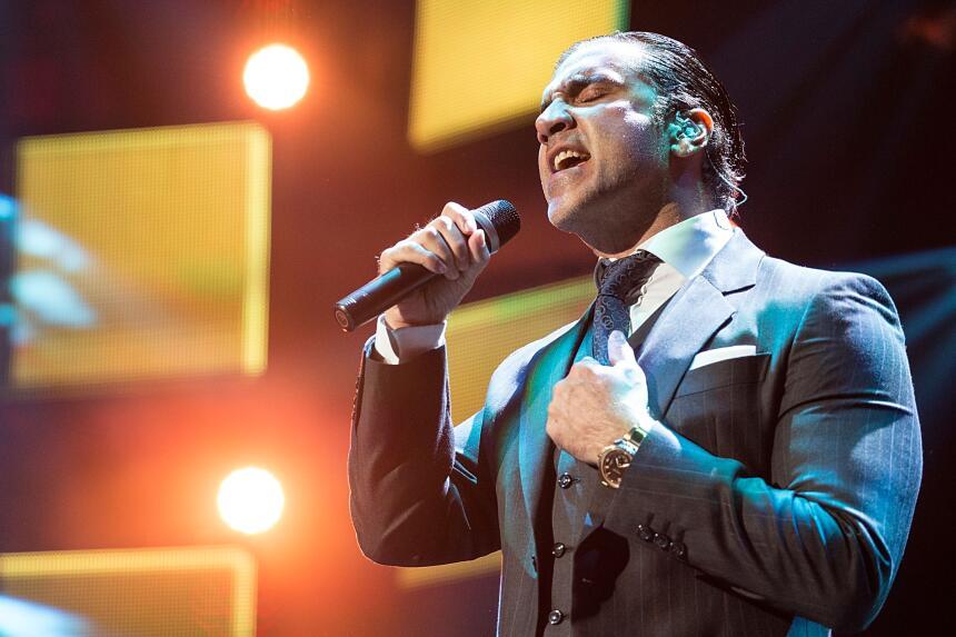 Y a Mejor Álbum Vocal Pop Contemporáneo por Rompiendo fronteras.