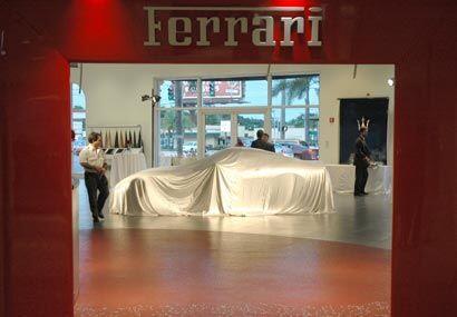El 599 GTB Fiorano vale unos 255 mil dólares, pero con todas las opcione...