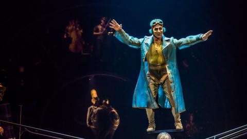 Mira imágenes del espectáculo  Kurios de Cirque Du Soleil
