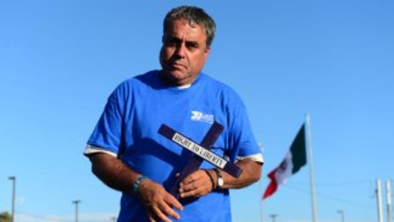El activista Enrique Morones, fundador del grupo Angeles de la Frontera,...