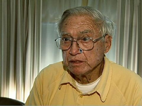 Carl Sutphin es un cura jubilado que abusó de tantos niños...