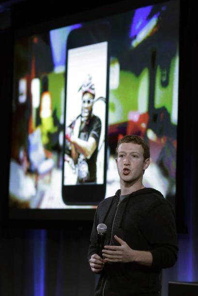 """Facebook está presentando una experiencia móvil llamada """"Home"""" que convi..."""