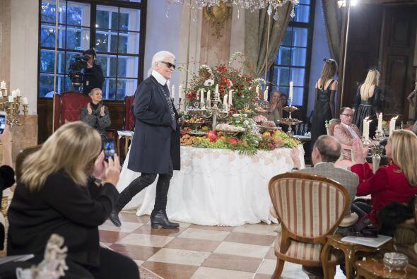 Karl Lagerfeld estuvo muy orgulloso de sus diseños y de sus musas, Cara...