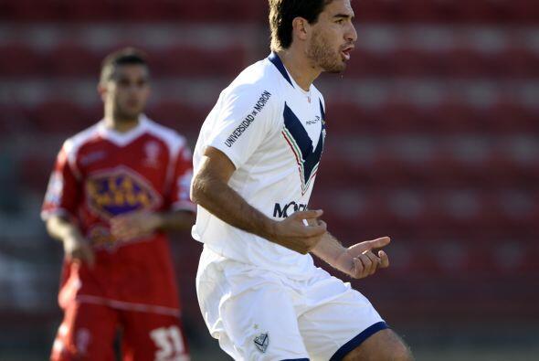 Vélez sarsfield, líder del torneo, visitó a Huracán en busca de los tres...