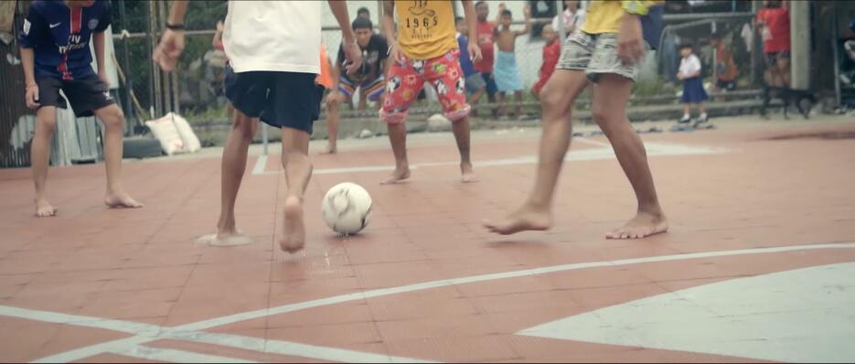 Las extrañas canchas de fútbol en Bangkok ap_21.jpg