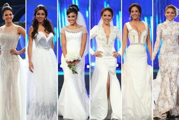 Las seis finalistas y el equipo de diseñadores de Nuestra Belleza...
