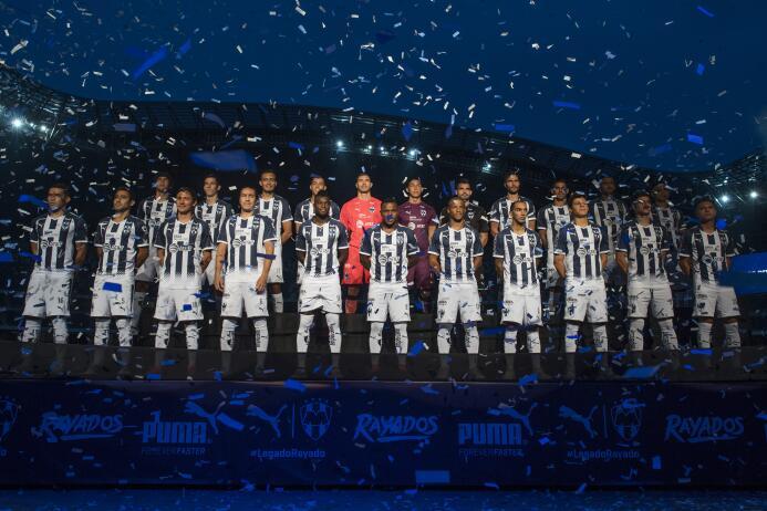 Monterrey presentó sus nuevos uniformes para la Liga MX 20170711_2228.jpg