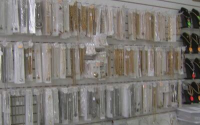 Policía de Miami-Dade incauta una gran cantidad de joyas falsas que se v...