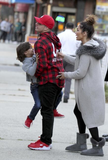 Jennifer Lopez y Casper Smart con los gemelos Max y Emme