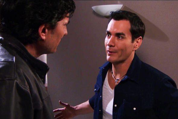 Recientemente, descubrió con ayuda de Armando que Cipriano Fuentes apare...