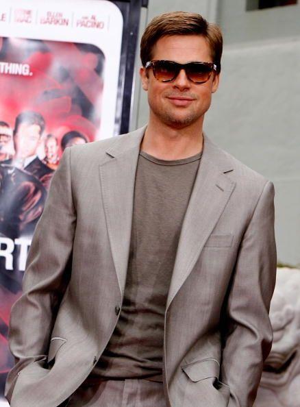 Brad Pitt siempre ha sido un chico malo que gusta de hacer travesuras y...