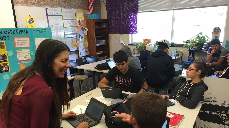 Leticia Guzmán, aquí en su salón de clases en Basalt High School, fue re...