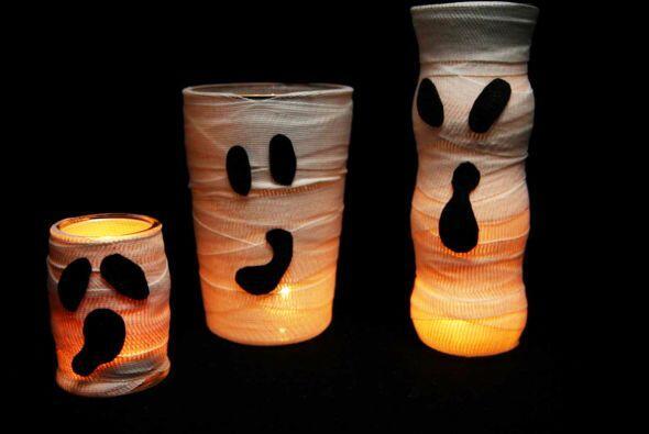 Tú mismo puedes hacer unas lámparas de temibles fantasmas. Son muy fácil...