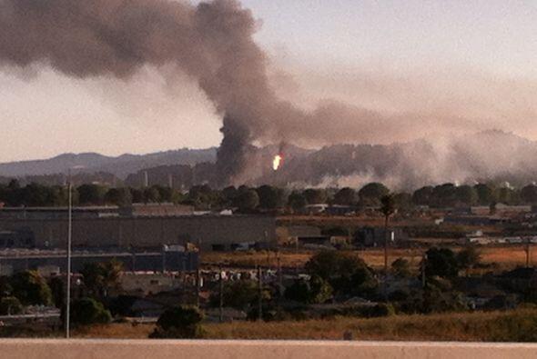 AGOSTO   Explosión en la refinería Chevron de Richmond  Re...