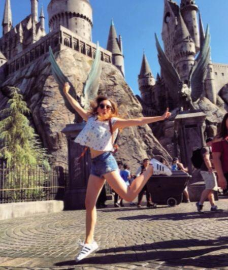 Regina brincó de felicidad al visitar el parque temático de Harry, pero...