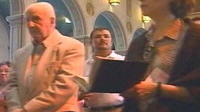 Oriundo de Los Angeles, Niederauer fue ordenado en 1962 y colocado en la...