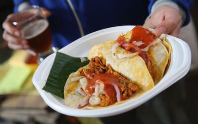 Todo lo que cabe dentro de una tortilla se puede llamar taco