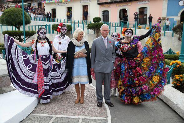 La visita ofiial del Príncipe Charles comenzó el domingo 2 de noviembre...