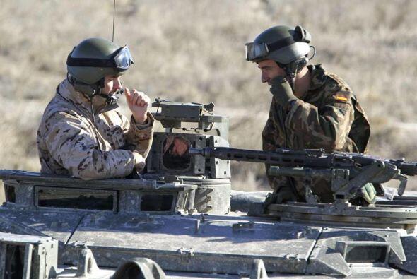 El comandante David Tarifa, de la Brigada Mecanizada 'Guzmán el Bueno' X...