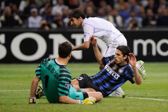 El 'Angel del gol' puso el 3-2 en favor de los visitantes.