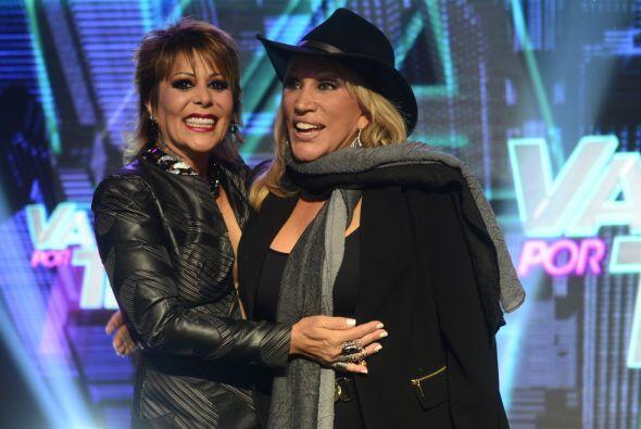 """Laura León, la """"Tesorito"""", corrió a abrazar a Alejandra."""