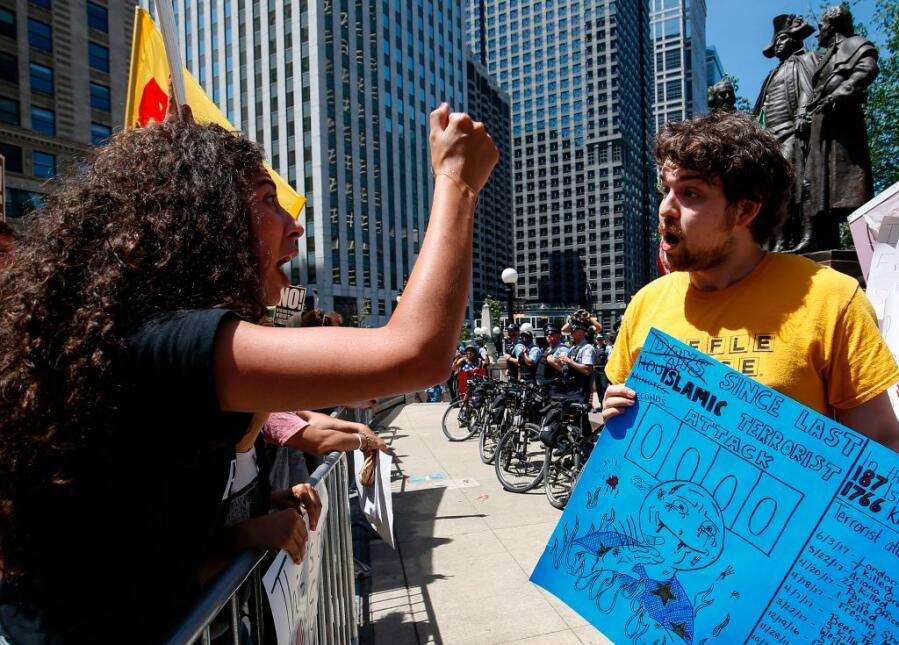 La protesta anti-Sharia en Chicago tuvo su contestación, según la agenci...