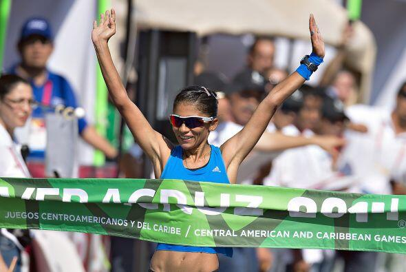 La guatemalteca Mirna Ortiz rompió la marca en 20 kilómetros de marcha,...