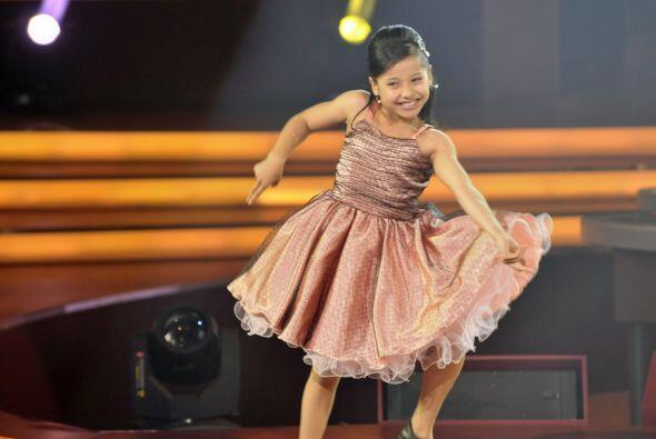 A la pequeña Mely le apasiona bastante el baile.
