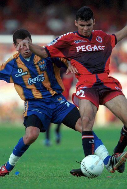 El objetivo era aumentar de 18 a 19 clubes para el Invierno 2001 y a 20...
