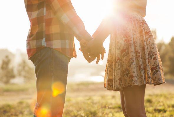 El amor es una realidad en tu vida, pero solamente si miras tu presente...