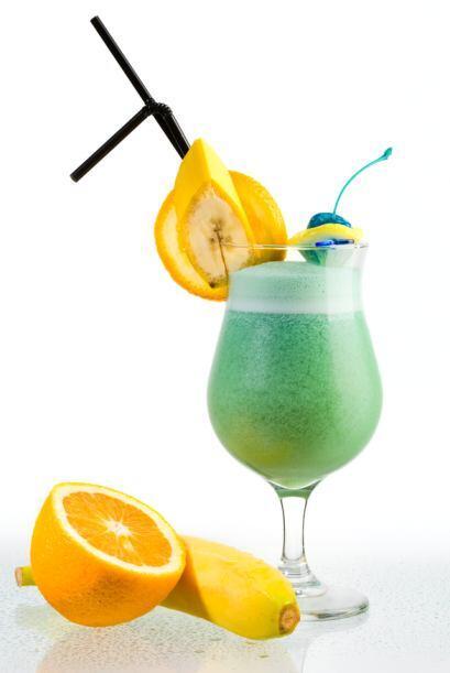 Si prefieres las bebidas sin alcohol, puedes disfrutar de este coctel a...