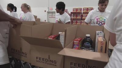 Voluntarios se movilizan para enviar ayuda a los afectados por el huracán Michael en Florida