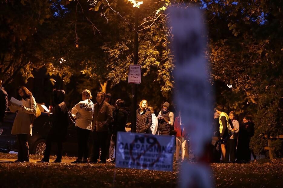 En fotos: la jornada electoral en Virginia GettyImages-621753512_Virgini...