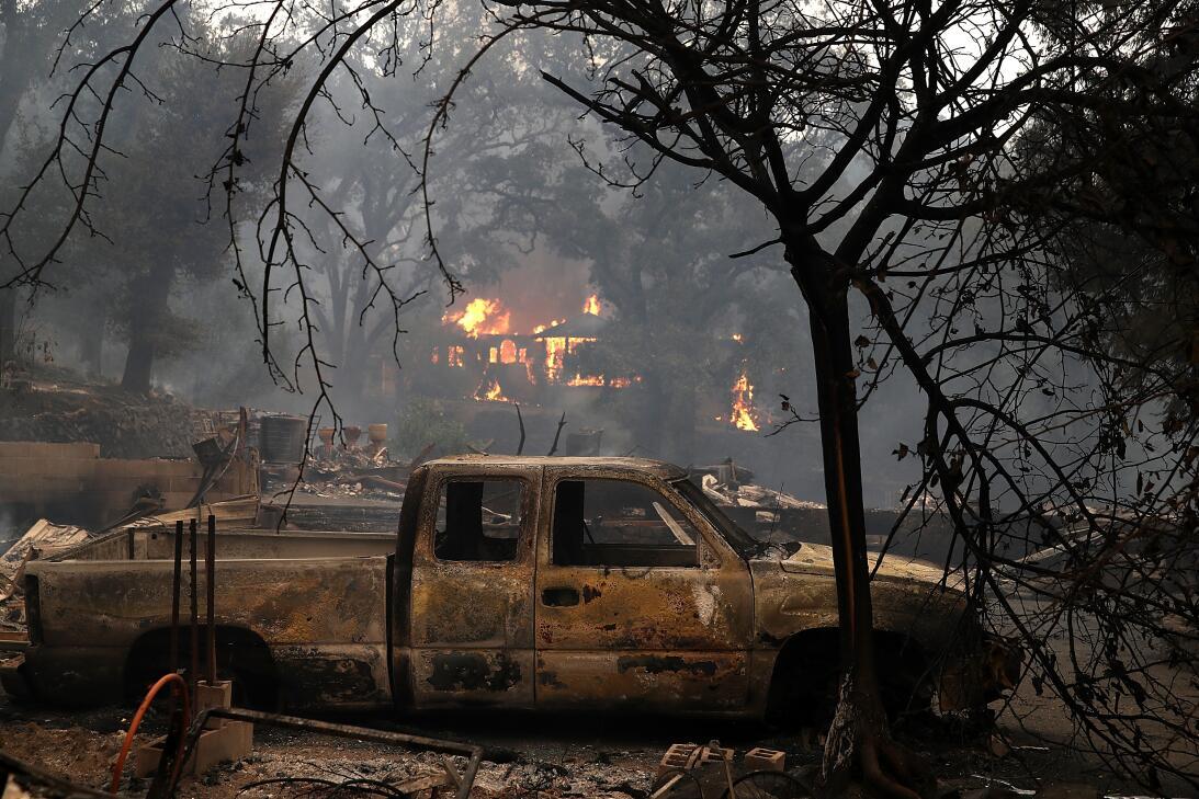 Imágenes de la devastación que dejan los incendios en California gettyim...