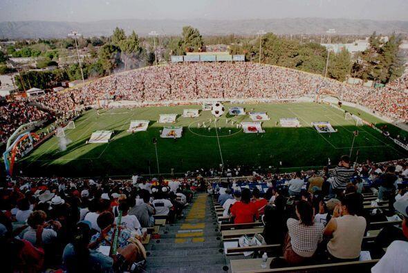 En 1996 la MLS inició con 10 equipos: Colorado Rapids, Columbus Crew, DC...