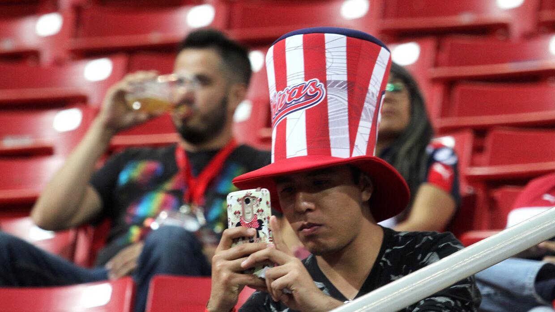 'Tecatito' Corona se disfrazó de Van Basten en el empate del Porto Afici...