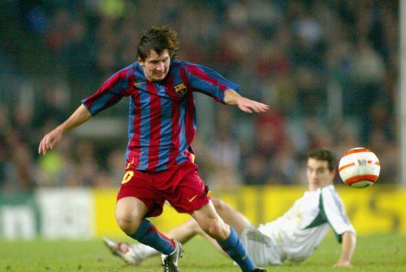 Su debut con el Barcelona a los 16 años de edad fue el segundo momento m...
