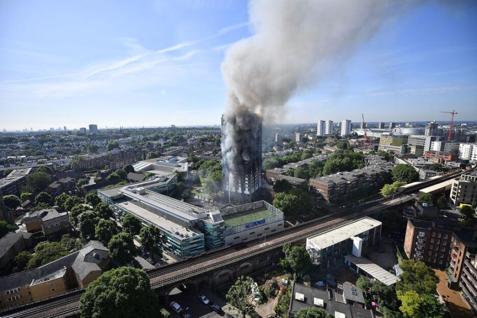 Una imagen de la torre Grenfill, que se incendió totalmente la madrugada...
