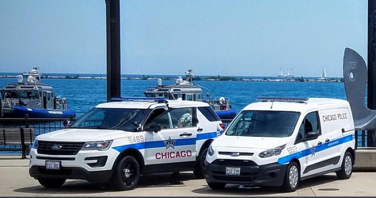Nuevas vehículos de la policía de Chicago para combatir la violencia en...